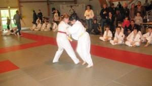 deux-cent-vingt-jeunes-judokas-au-dojo-du-raquer